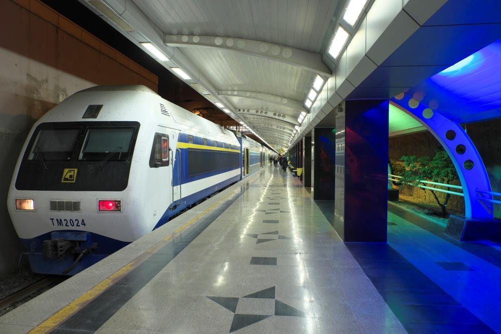 خدمات رسانی شرکت بهره برداری متروی تهران به تماشاگران دربی